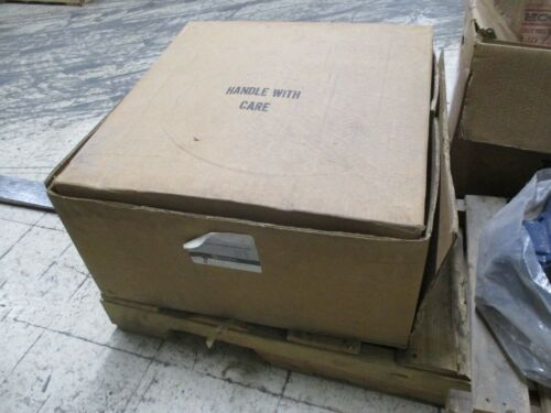 Square D Size 5 Reversing Vacuum Contactor 8702 WG03 120V Coil 600V New Surplus