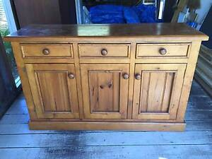 Pine cabinet, great condition Avalon Pittwater Area Preview