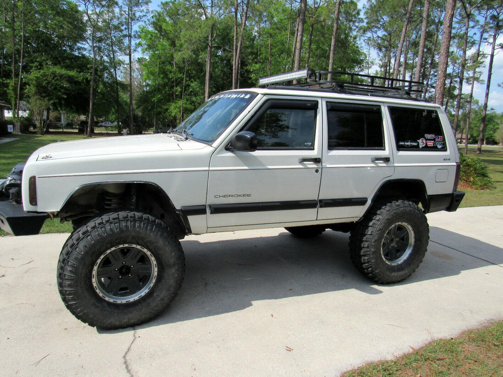 1998 Jeep Cherokee SPORT 1998 Jeep Cherokee Sport 4X4 4.0L 6 Cylinder Clean Low Miles! Runs great!