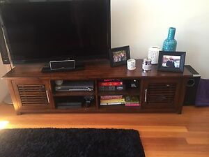 Madang tv unit Coogee Eastern Suburbs Preview