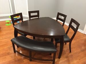 Dinette table (6 place) triangle shape with 4 chairs and bench