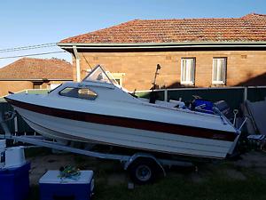 1999 4.7m stejcraft half cabin fiberglass boat Belmore Canterbury Area Preview