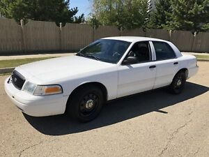 2009 Ford Crown Victoria Police Intercepter,102000 Kms, $3199