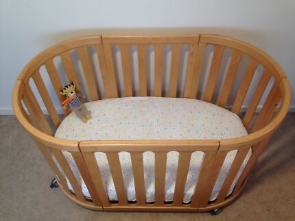 COCOON Nest 4 in 1 Cot - as new condition