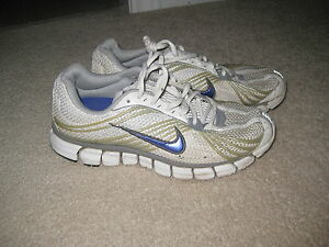 NIKE RUNNING SHOES London Ontario image 1
