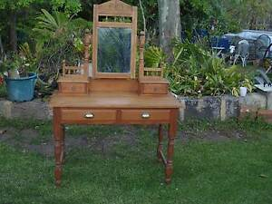 Antique Duchess Dressing Table Martin Gosnells Area Preview