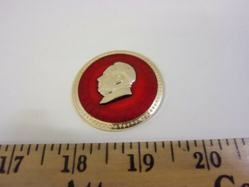Chinese Chairman Mao Tse-tung Medal Pin Button Vintage Genuine