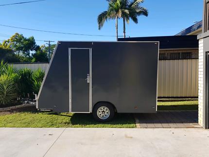 Enclosed trailer/motobike trailer