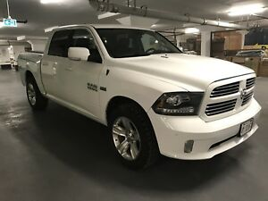 2014 RAM 1500 5.7 L HEMI with RAM BOX side pockets