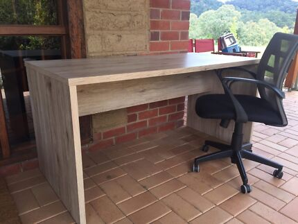 Sorrento desk in perfect condition
