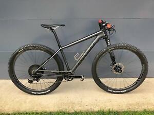 Cannondale F-Si Black Inc – Incredible 9kg hardtail mountain bike