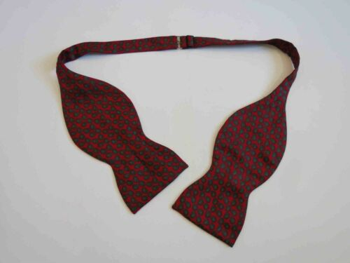 Large Red Paisley Silk Bow Tie - Tie Your Own