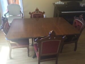 Antique drop-leaf table and 4 chairs - great condition!