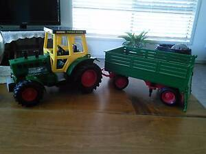 Tractor and trailer East Toowoomba Toowoomba City Preview