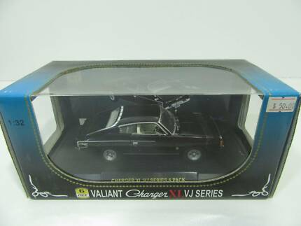 BLACK VALIANT CHARGER DIECAST 1/32 SCALE MODEL VJ SERIES