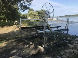 4500 pound heavy duty lift , like new condition