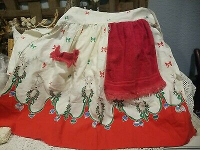 Vintage Aprons, Retro Aprons, Old Fashioned Aprons & Patterns Vintage Half Apron Terry Cloth & Fabric Christmas Wreath Holly Berries Bow Deer $12.95 AT vintagedancer.com