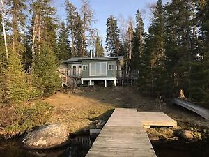 Family cottage on Red Rock Lake for rent