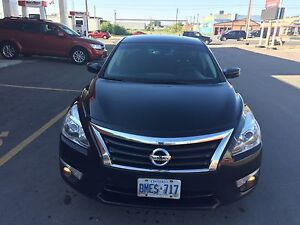 Nissan Altima 2013 , fuel efficient and Push Button Start