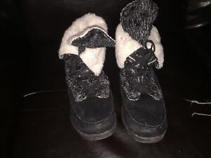 Cute winter boots for sale!!