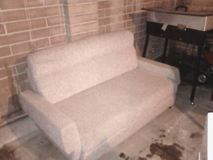 2 seater fold out founge