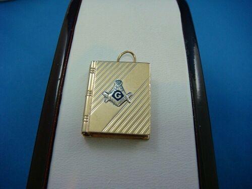 14K YELLOW GOLD MASONIC BOOK PENDANT-LOCKET, 4.2 GRAMS, 23MM X 18MM