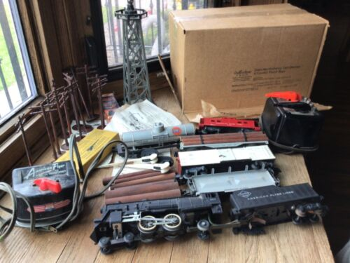 Large American Flyer Train Lot 307, 914, 933, 925, 938, 905 + Extras