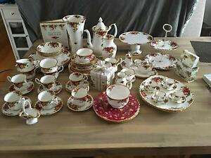 Royal Albert old country roses 64 pieces Doreen Nillumbik Area Preview