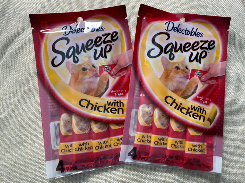 HARTZ DELECTABLES SQUEEZE UP THICK, TASTY CHICKEN LICKABLE CATS TREAT -PACK OF 2
