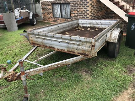 Large 5 x 8 box trailer in Good condition