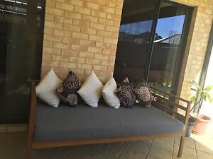 Outdoor sofa / bed / lounge Forrestdale Armadale Area Preview