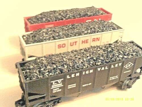 LIONEL  2 Bay Hoppers - REAL Anthracite Coal Loads