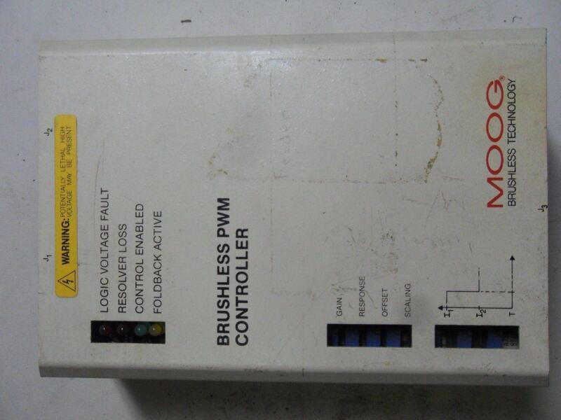 (Q5-3) 1 MOOG 152x296 SERVO CONTROLLER