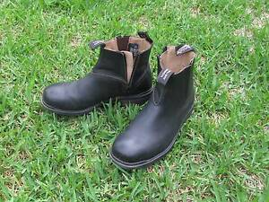 Blundstone Work Boots ! Lady Tradies! Jindalee Brisbane South West Preview