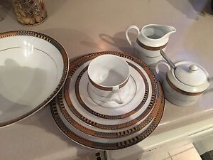 Dinner Place setting for 8