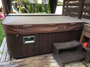 Hot tub jacuzzi for sale