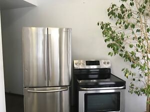 Ensemble poêle stainless et frigidaire stainless