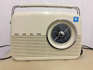 Vintage looking Digital radio Clayfield Brisbane North East Preview