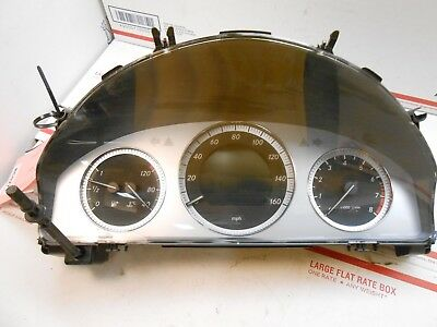 10 Mercedes GLK-class speedometer cluster 2049003900 ic# 53481  RC0271