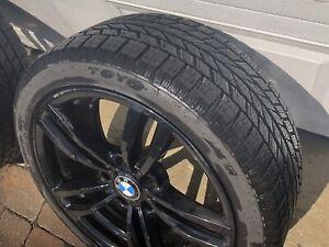 Mags (jantes) BMW et pneus d'hiver de marque Toyo