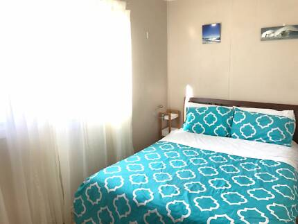 Room in heart of Byron also avail short term