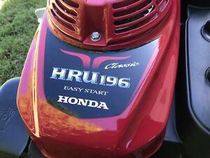 Honda mower, barely used, commercial quality Buffalo long range