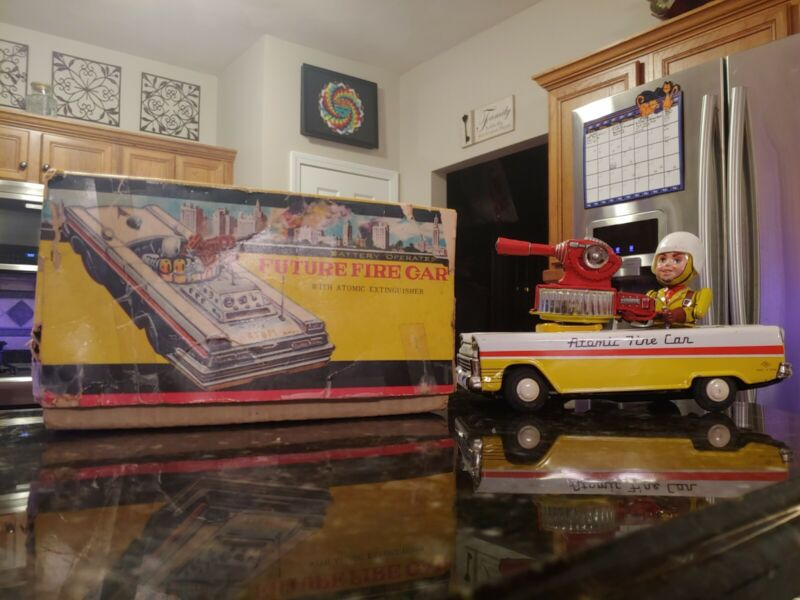 T.N Nomura Atomic Fire Car Tin Litho Toy Japan Battery Operated Space Patrol Box