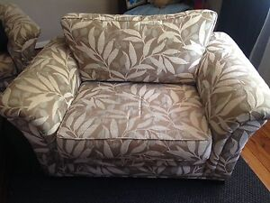 Stylish Minelli 3 seater and 1.5 seater sofas. Excellent cond. North Willoughby Willoughby Area Preview