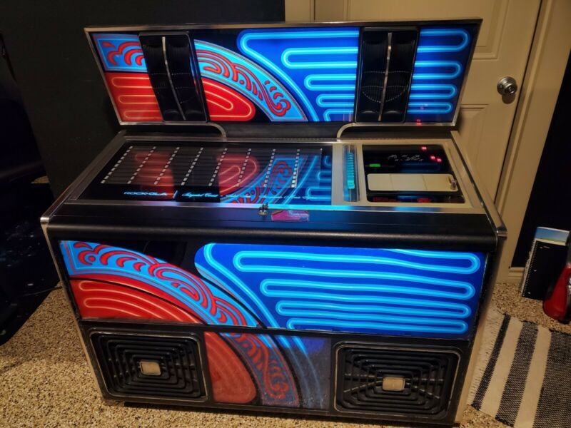Rockola 464 1976 Jukebox in good working condition
