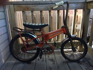 Vintage Canadian made Thistle kids bike rust patina. 70's.