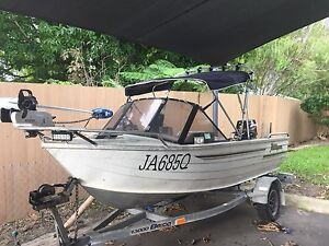 4m Clark Runabout Rochedale Brisbane South East Preview