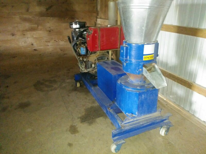 Pellet Mill  30 Hp Diesel / 2 cylinder self contained / radiater with fan