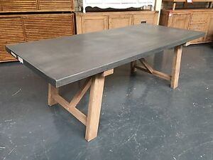 ESTATE - DINING TABLE Leumeah Campbelltown Area Preview