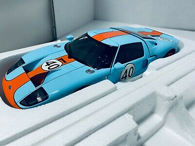 1/18 AUTO ART 2004 FORD GT GULF COLORS #40 BLUE AND ORANGE STRIPES 80513